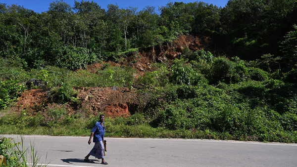Sri Lanka: Manorathna Pushes Back Against Landslides